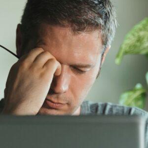 Descubra como prevenir a fadiga ocular dos aparelhos digitais